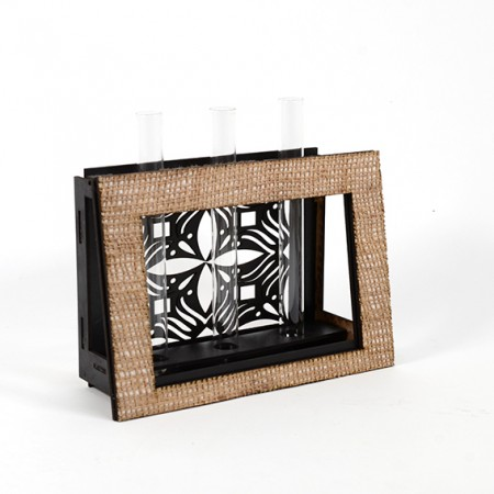 Дървена ажурна кашпа-ваза: Рамка - празна 3