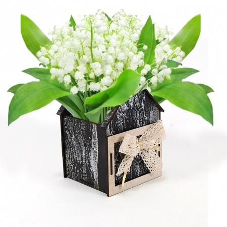 Дървена кашпа: Къщичка (Пролетна кашпа 3) - с цветя
