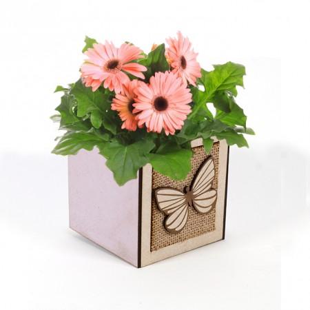 Дървена кашпа: Теменужена Барселона (Пролетна кашпа 4) - с цветя