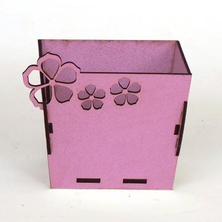 Квадратна дървена кашпа - Розова - изглед отпред