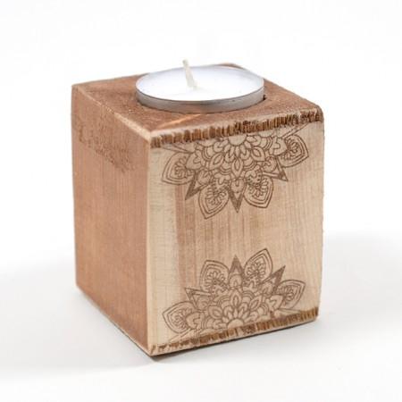 Дървен свещник Мандала (дизайн 1) - със свещичка
