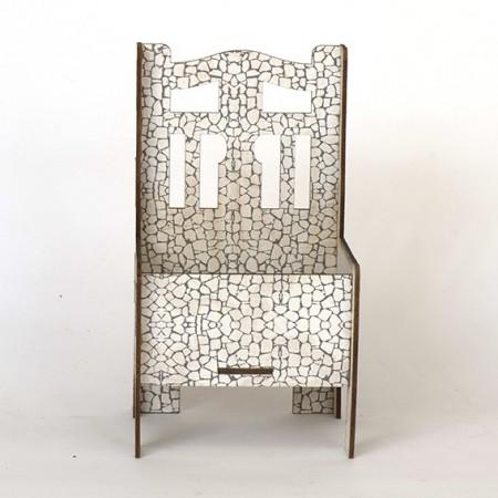 Дървена кашпа - Бял камък - тип стол - изглед отпред