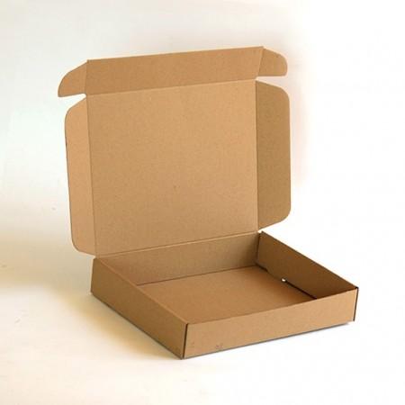 Кутия: 20x11x9 см общ капак