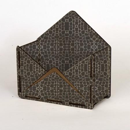 Дървена кашпа - тип плик - сив камък - страничен
