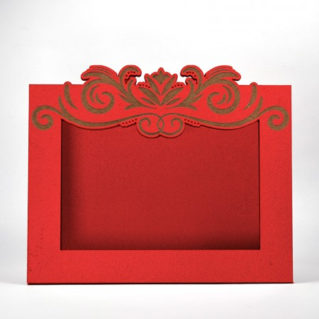 Дървена кашпа - рамка - червена