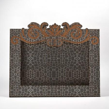 Дървена кашпа - рамка - тъмносив камък