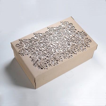 Луксозна ажурна кутия с орнаменти на цветя
