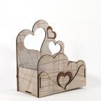 Дървена кашпа за Свети Валентин - дизайн със сърчица